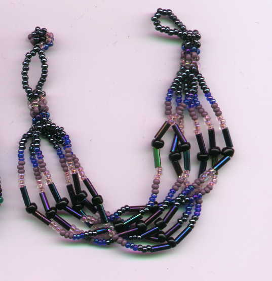necklace_fancy_lavenender.JPG (26832 bytes)